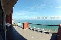 Penthouse-balcony-2