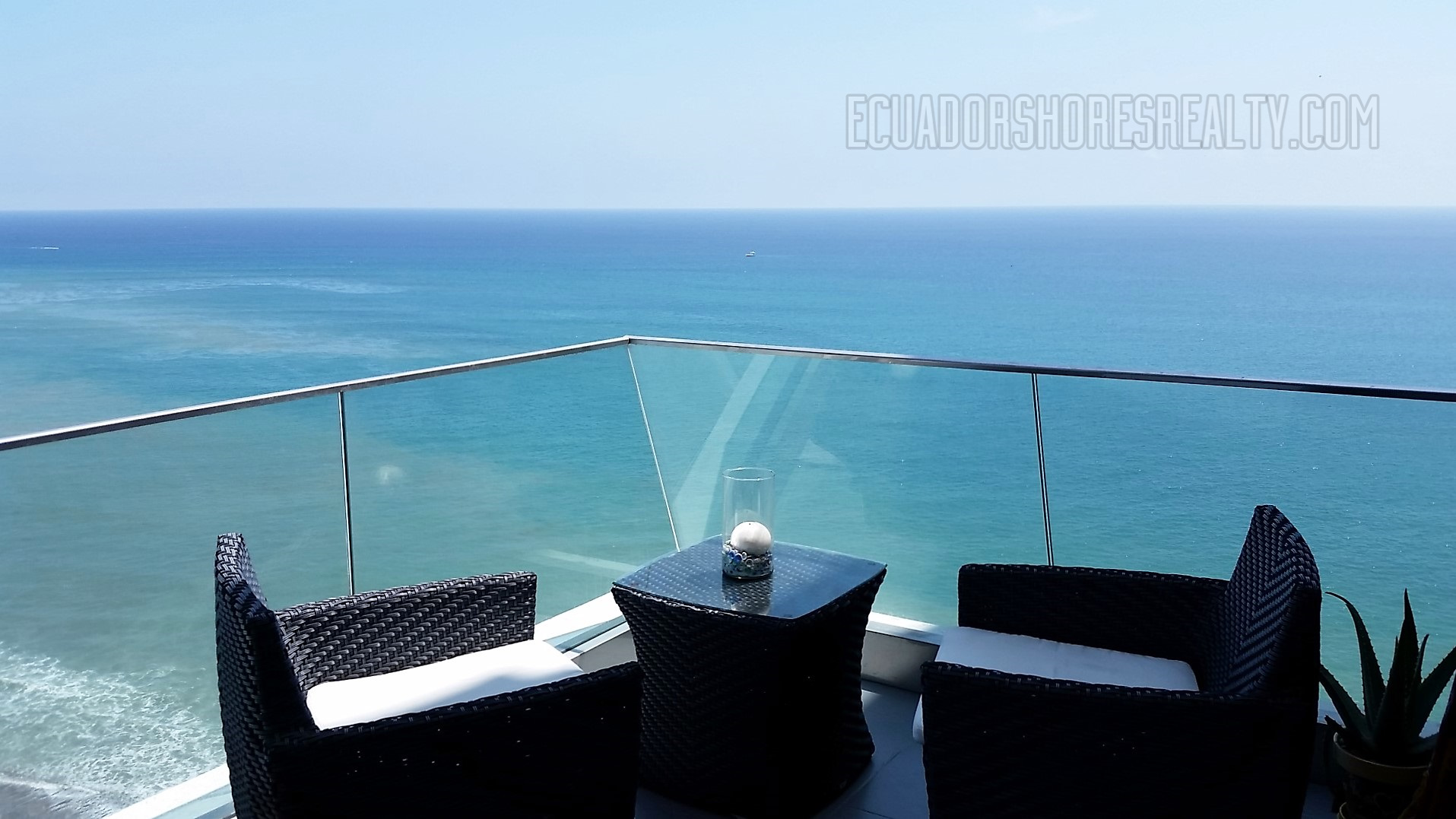 Double balcony for double the views!