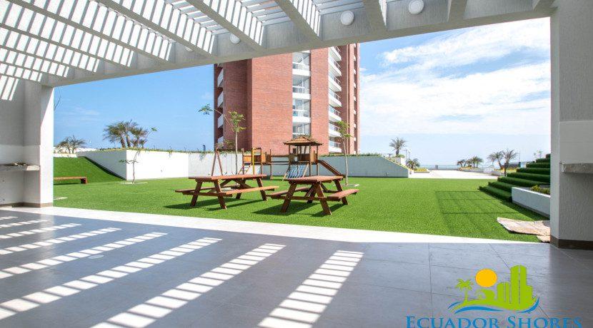 Ibiza Manta Ecuador BBQ area Ecuador Shores Realty condo for sale 1
