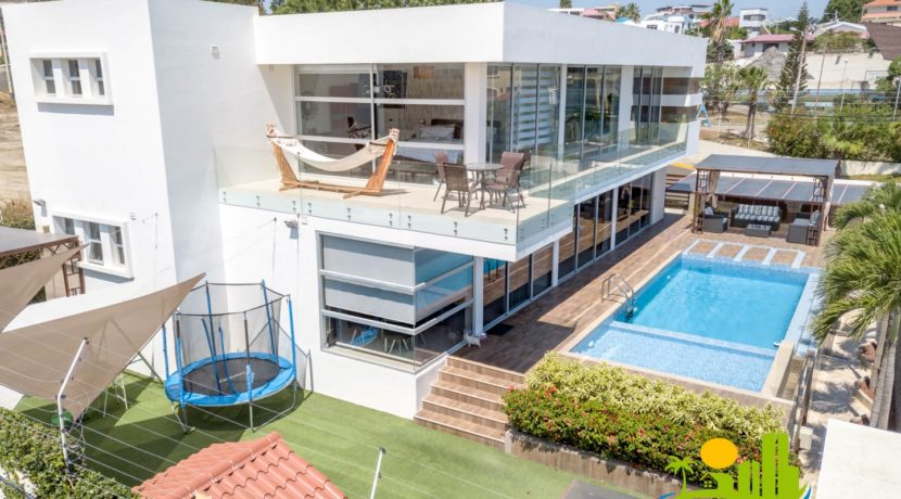 Custom pool home Manta Ecuador ESR Ecuador Shores Realty 1